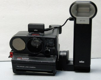 Vintage Working Polaroid Sonar Auto Focus 5000 For SX 70 Film with Braun Flash Unit