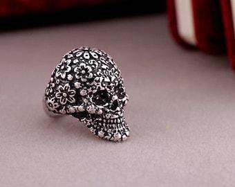 Skull Finger Ring>Goth>Death>Bones