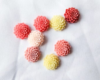 Small Floral Chrysanthemum Resin Cabochons / Flatbacks - 8pcs - Jewelry making, DIY, Craft, Resin art