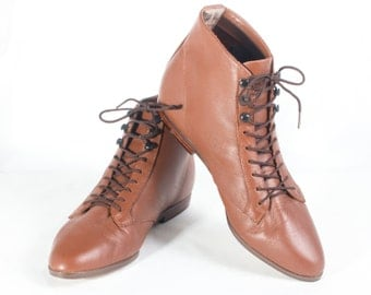 VTG 80's Fawn Brown Leather Granny Boots size 7 Womens Lace Up Ankle High Booties Boho Hiking Boots