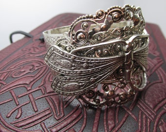 Dragonfly bracelet silver Gorgeous Filigree and vintage dragonfly
