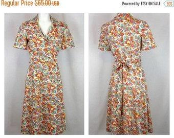 50% Off Sale Vintage 70s Does 40s Wrap Dress, Cotton Print, Sz S, M