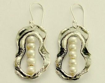 Peas in pod, organic earrings, June birthstone Earrings, sterling silver earrings,  five pearls in pod earrings - Five peas in a pod E2054