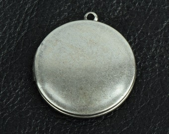 Round Locket Brass and plated silver antiqued, 2 each 15279CS