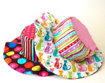 Baby girl beach hat, wide brim floppy sun hat with kitties and polka dots