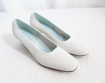 SALE Vintage White Shoes Leather Pumps  Low Heel 1960s Never Worn. 7.5 7 1/2 Lacey Wedding Bridal ( was35)