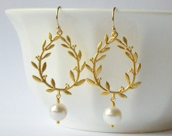 ON SALE Pearl Laurel Wreath Dangle Earrings, Pearl Drop  Earrings, Bridal Jewelry