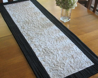 Eco Print Modern Tablerunner, Leaf print hand dyed table runner, free shipping in Canada