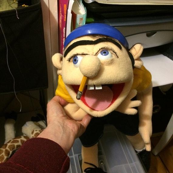 The Large Jeffy Jeffy puppet from Supermariologan youtube sml