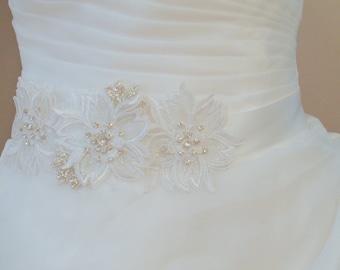 Off White Bridal Sash Belt , Crystal wedding sash , Crystal sash , Beaded Sash, Rhinestone Bridal Sash, Lace Flower Sash