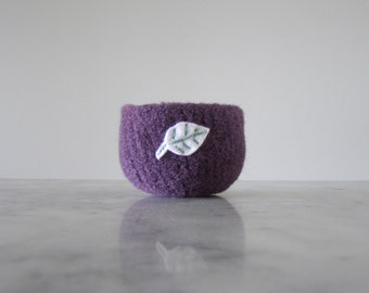 small soft wool catch-all  - purple wool felted bowl with white felt leaf  - ring bowl - nature home decor - gifts under 20 for nature lover