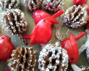 Vintage Package Tie Ons, Christmas Decor, Glittered Pods, Red Plastic Birds, Craft Supply, Tiny Silver Pods, Floral Supply, Vintage Xmas