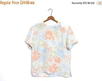 Boxy Silk Floral Blouse Cropped 90s Pale Green Peach Blue Top Slouchy Tee Minimal Modern Tshirt Crop Top Vintage Large