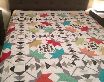 Coastal Lily Pattern Double Bed Quilt