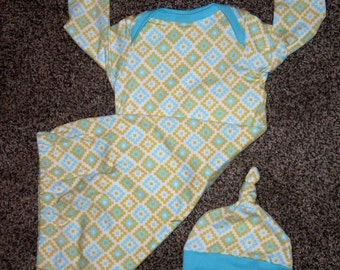Newborn Baby Sleeping Gown and Knot Hat in Mustard and Sky Blue Geometric Design