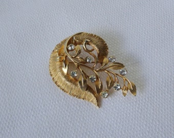 KRAMER Gold tone with Rhinestones Brooch. Kramer Pin.