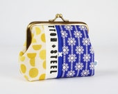Metal frame purse - Daisy chains in cobalt and shades in yellow - Deep dad / Ellen Luckett Baker / Cotton and Steel selvage / stripes patch