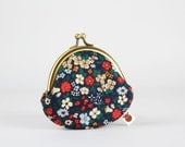 Metal frame coin purse - Niwa flowers - Mummy rounded purse / Floral japanese fabric / Navy blue beige red green