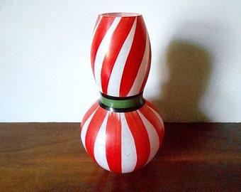 "KOSTA BODA Ulrica Hydman-Vallien Red and White ""Ribbon"" Swedish Art Glass Vase"