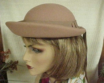 """Camel color 100% wool bowler hat- Glendover- Henry Pollak- fits 22"""""""