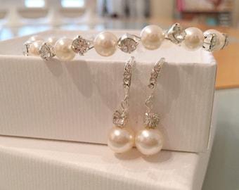 Bridal pearl earrings and braceket jewellery set, jewelry, bridal earrings pearl, bridal bracelet set, rhinestones, wedding jewelry set,