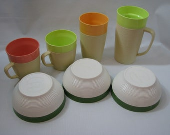 Lot of 7 Vintage Pastel Raffia Ware Insulated Melmac Cups Mugs Bowls