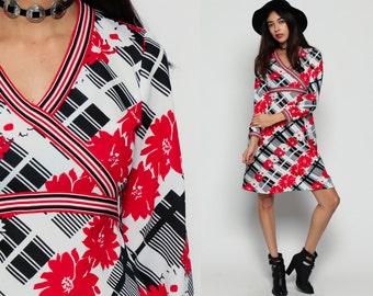 Babydoll Mini Dress 70s Mod Mini Floral Print Boho EMPIRE Waist Bohemian 1970s Black Red White Vintage Deep V Neck Long Sleeve Small