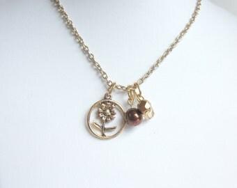 Sunflower pendant necklace gold tone