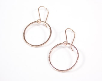 rose gold large hammered circle earrings | rose gold circle dangle earrings | rose gold everyday earrings