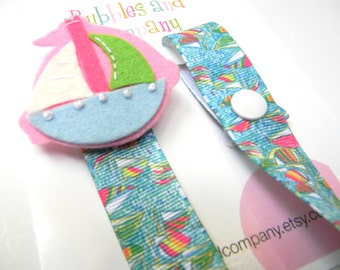 Lilly Pulitzer pacifier clip - pacifier clip - sailboat pacifier clip - lilly baby gift - binky clip - lilly pacifier holder