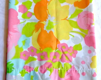 Vintage Pillowcase - Mod Pansy in Pink and Turquoise - Standard Size