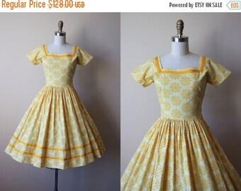 ON SALE 1950s Dress - Vintage 50s Dress - Sunny Yellow Atomic Novelty Print Suns Full Skirt Cotton Sundress S - Sunshine Dress