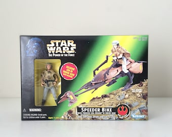 Star Wars Princess Leia with Imperial Speeder Bike - Carrie Fisher Star Wars Action Figure - 90s Kenner Star Wars Toy - Return of the Jedi