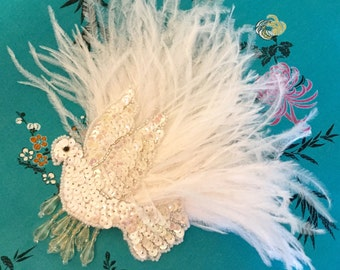 White fascinator, bridal feather headpiece.