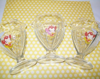 SALE - 3 Elsie the Cow glass dishes, sundae glasses, 1980s, kitchen