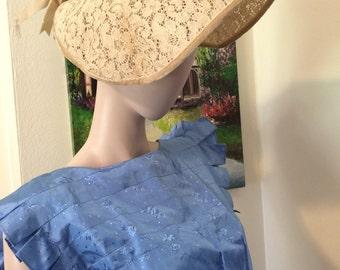 Stunning Vintage 40s Beige Lace and Velvet Bow Trim Ladies Lace Hat