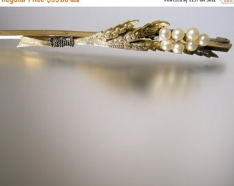 30% Off Sale Rolled Gold Bar Pin with Leaves and Faux Pearls
