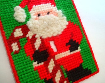 Vintage Christmas Switch Plate, Plastic Canvas Needlework, Santa Claus, Holiday Deoration, Red, Green, Handcrafted Seasonal Decor (16-16)
