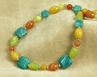 Gemstone Beaded Necklace with Green and Yellow Jade Beads S-18