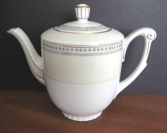 Narumi Teapot - Laurel Pattern - Occupied Japan