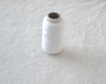 White 100% Cotton Hand Sewing Thread - 100 Foot Spool