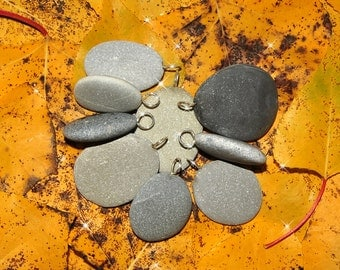 Natural mix of 9 beach stones from Italy with silver plated ring. Jewelry supply for rock painters. serie (AC7)
