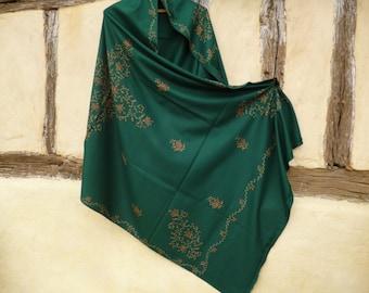 "Beautiful Pashmina.  Dark Green shawl/stole. Pure pashmina wool . 84 x 40"". 213 x 98 cm"