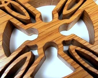 Celtic Cross / MID SIZE / Oak Wood