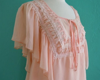 60's peach lace top // cropped top with flutter sleeve ~ small medium