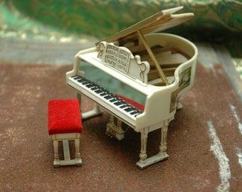 Petite Princess Royal Grand Piano Fantasy Furniture Red Gold Ideal Japan Vintage Dollhouse Miniatures Ambient Atelier Antique Dealer