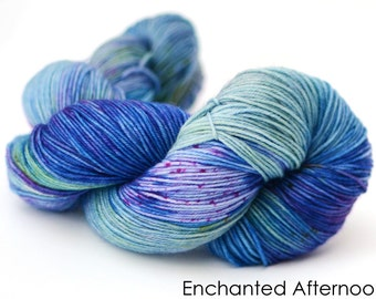 Hand dyed worsted yarn - 115g