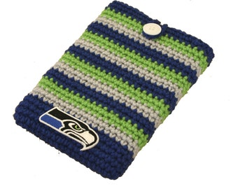 Crochet Kindle Cozy in Seahawks colors pattern