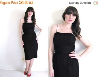 ON SALE Little Black Dress / 50s Dress / 50s Wiggle Dress