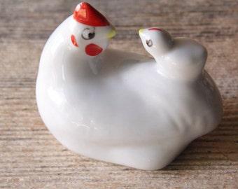 Ceramic Hen Figurine /Rustic/Cottage Chic/Farmhouse Decor